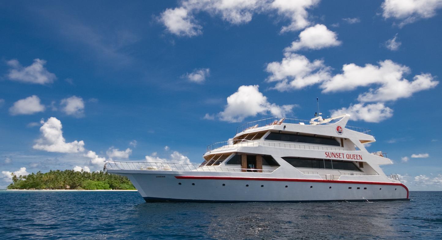 Maldivene Liveaboard Dykking - Live Aboard Dykking Ferier i Maldivene